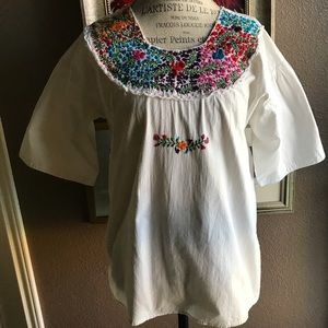 Tops - Mexican white cotton blouse w/floral embroidery